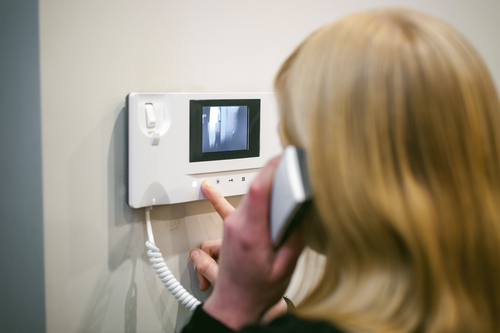 4 Benefits of Video Intercom Systems for Businesses
